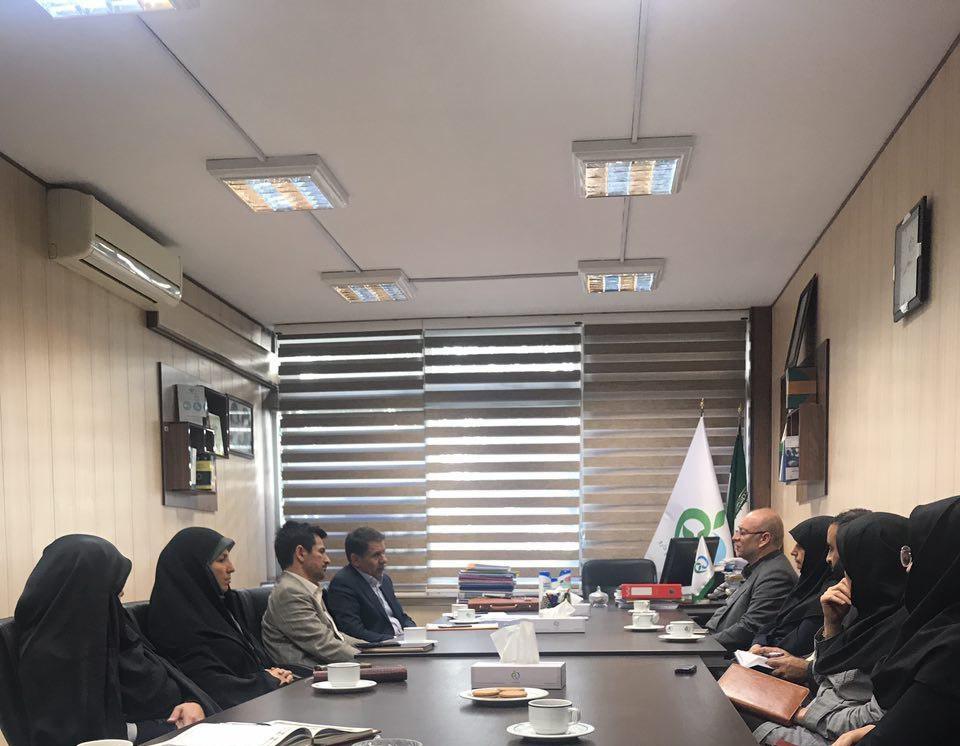 Photo of معاون توسعه مدیریت و منابع سازمان غذا و دارو با مدیران این حوزه دیدار و گفتگو کرد