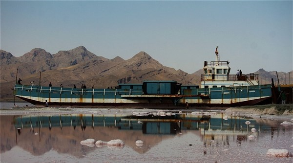 Photo of احیای دریاچه ارومیه تنزل پیدا کرده است