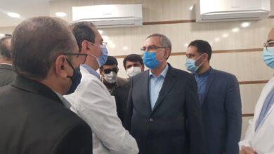 Photo of وزیر بهداشت:تحقق مطالبات کادر درمان در حال پیگیری است